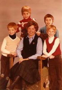 Foto: Dorle mit ihren Kindern