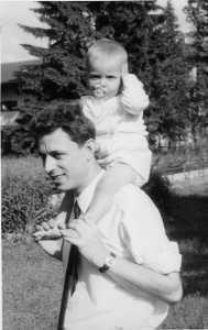 Foto: Klemens mit Baby Huckepack